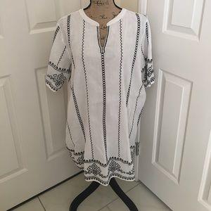 NWOT white/black blouse size L