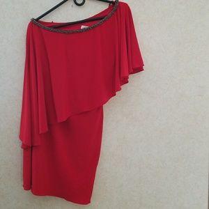 Gorgeous cachè red dress