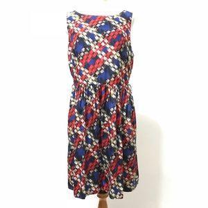 Trina Turk Dress Size 12 Knee Sleeveless Pattern