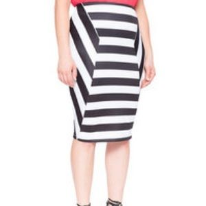 Eloquii Black and white stripe Pencil skirt