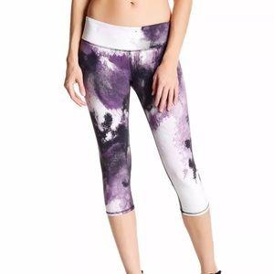 Alo Yoga • Airbrush Capri Crop Leggings - Purple