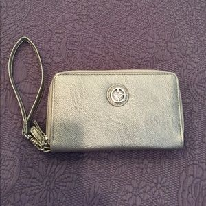 NWT Wristlet/phone case