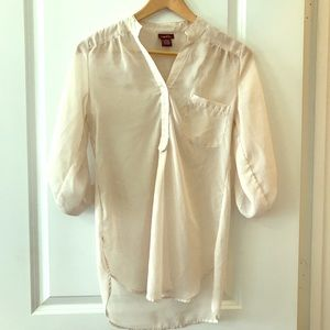 Rue21 light beige sheer tunic