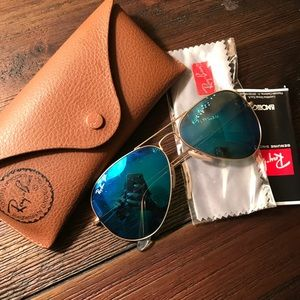 NEW Polarized Blue/Gold Ray-Ban Aviators