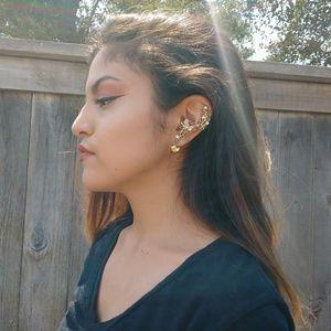 Jewelry - 🌞Gold Earring Cuff