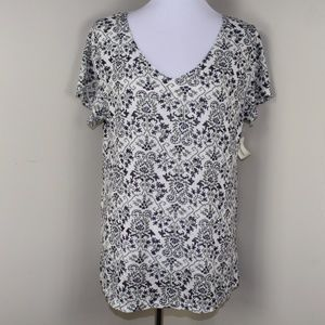 NWT Aeropostale Relaxed Fit V Neck Print Knit Tee