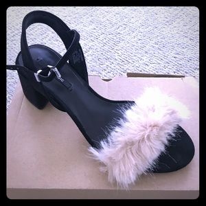 Zara sandals with fur