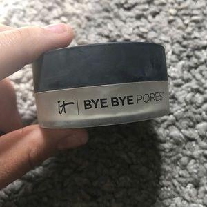 iT Cosmetics loose translucent powder