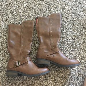 ** LIKE NEW** Steve Madden boots