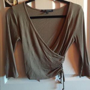 V-neck Scrunch waist top