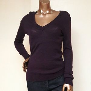Gap Ultrasoft Wool V-neck Classic Sweater