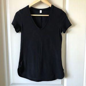 Lululemon tee black brand new size 4