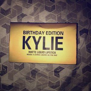 --KYLIE BIRTHDAY EDITION-- Matte 💄