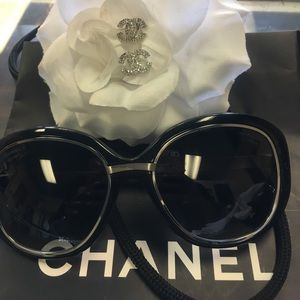 Auth 💯Chanel sunglasses polarized wow