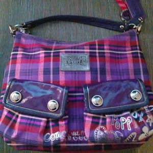 Like new limited edition Coach poppy purse.