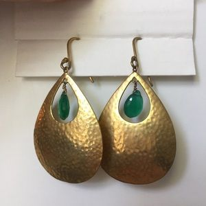 Gold/green colored dangly earrings