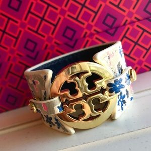 Gorgeous Tory burch leather cuff bracelet!