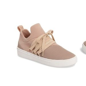 Steve Madden Lancer Sneaker in Blush (Size 6.5)
