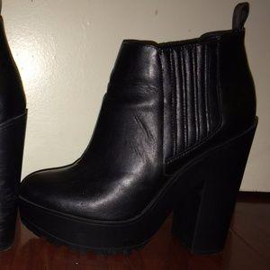 Kendall + Kylie Madden Chicc Black Platform Bootie