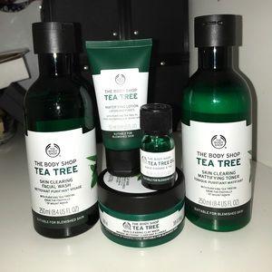 The Body Shop Tea Tree Skin Clearing Set