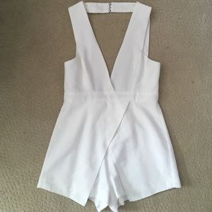 FINDERS KEEPERS ROMPER XS WHITE