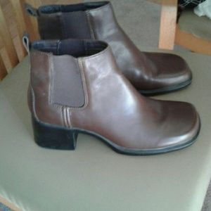 Clarks boots size 7m