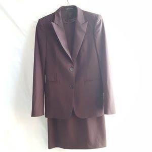 Theory Dress Suit