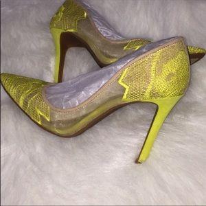Jessica Simpson neon yellow pointy toe pumps