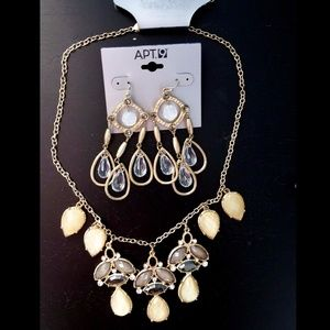 Gold and White Party Jewelry Se Chandelier earring