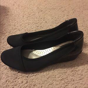 Black Karen Scott wedges Size 9