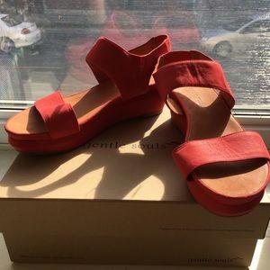 NWT Gentle Souls Flatform Sandals