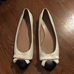 Ann Taylor black and white flats