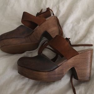 Free People Belmont leather clogs