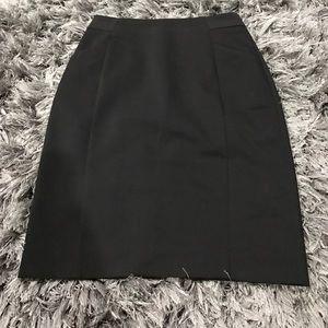 🖤H&M Black Zippered Skirt Sz Small🖤