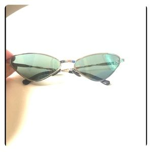 Cool vintage cateye sunglasses