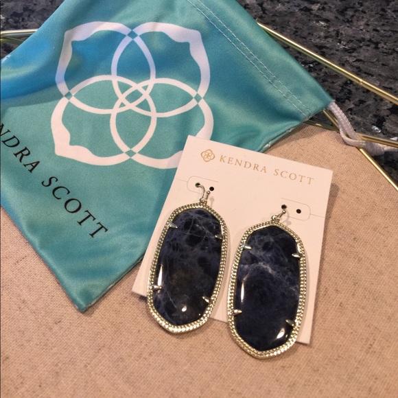 Kendra Scott Jewelry - Kendra Scott Danielle Earrings in Blue Sodalite