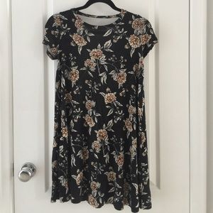 Floral cotton dress with low back Size Small
