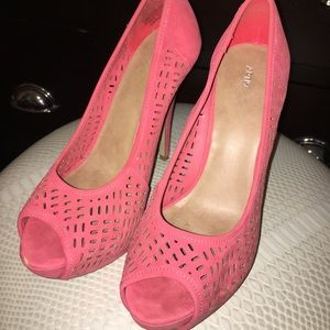 Shoes - Hot pink open-toed laser cut designed heels