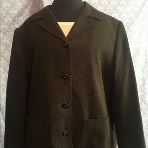 Sag Harbor Women's Suit. Fully lined, 2 pieces