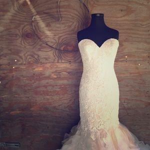 NWT Allure Bridal style #9254
