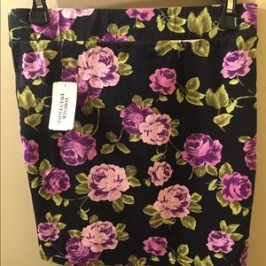 NWT Forever 21 Fitted Floral Skirt