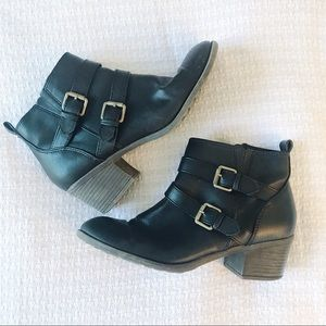 White Mountain Ankle Black Boots Booties
