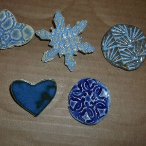 New 5 Stoneware Assorted Pins Snowflake Heart