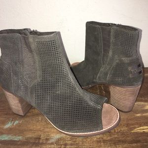 NEW TOMS MAJORCA BOOTIE SZ 10 AMY GREEN