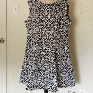 Women's Dress Black and White Pattern Size 22W