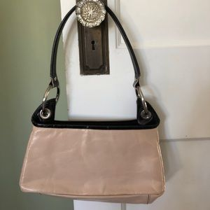 Kenneth Cole leather purse like new