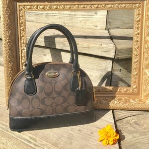 Authentic Coach Purse 👛 Only Used Once!