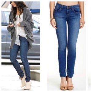 •J BRAND• Skinny Jeans in Jasper