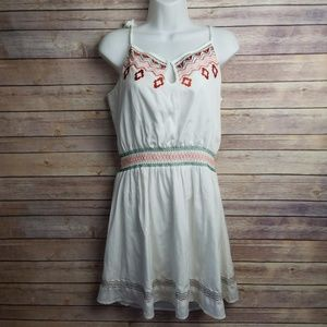 Olive + Oak UO White Embroidered Floral Dress