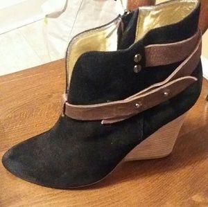 Matt Benson NY Black Ankle Boots 7